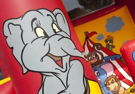 springkussen-circus-glijbaan-448